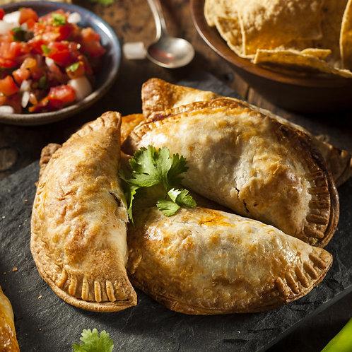 Empanadillas de thon, tortillas au chorizo et salade tomates/concombres