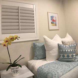 Guest room pillow details