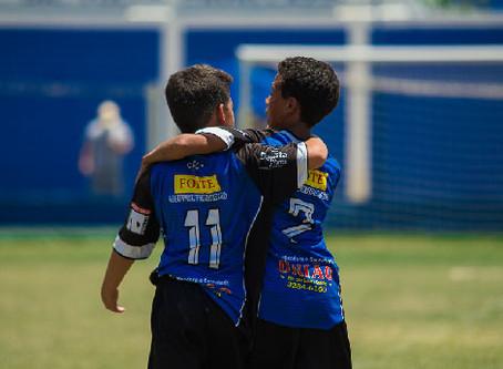 Valores que um torneio de futebol como a Copa Floripa Brasil ensina às crianças