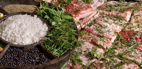 Lard d'Arnad-Stagionato con sale, spezie e aromi di montagna
