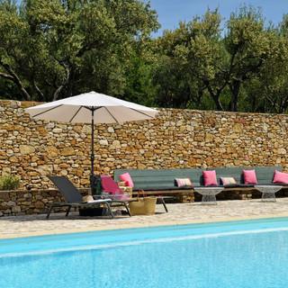 la piscine | the pool