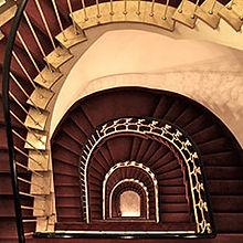 Treppenhaus des Hotel Lasthaus am Ring mitten in Köln