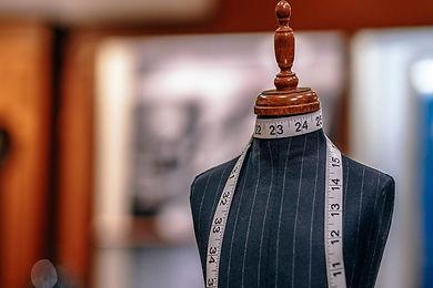 mannequin-in-a-tailor-shop-1536x1024.jpg