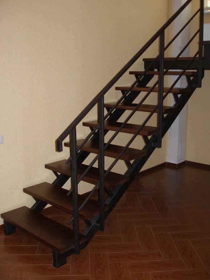 Металлические-лестницы-Ульяновск-22-672x