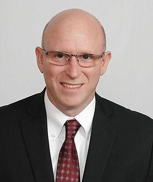 Gary-Portrait_web.jpg