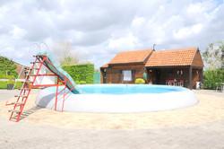 Zwemmen in het verwarmde zwembad