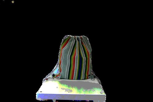 Mochila de tela con cuerdas