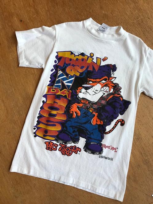 Vintage 1994 t-shirt 'Taggin' n da house'