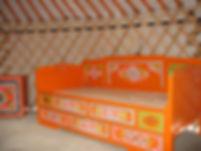 кровать в юрте.jpg