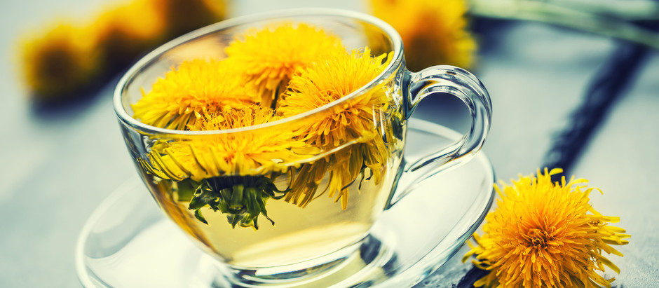 7 Reasons to Drink Dandelion Tea