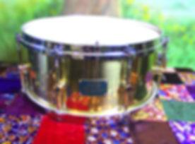 Snare Canopus solid brass focus.jpg
