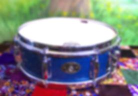 Snare Rogers Blue 8 lug focus.jpg
