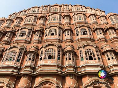 Pink Palace in Jaipur, India.jpg