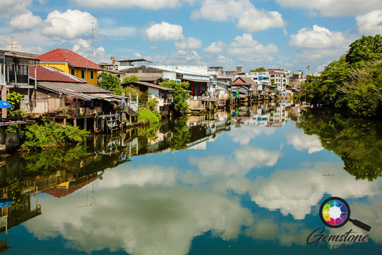 The view down the river in Chanthaburi T