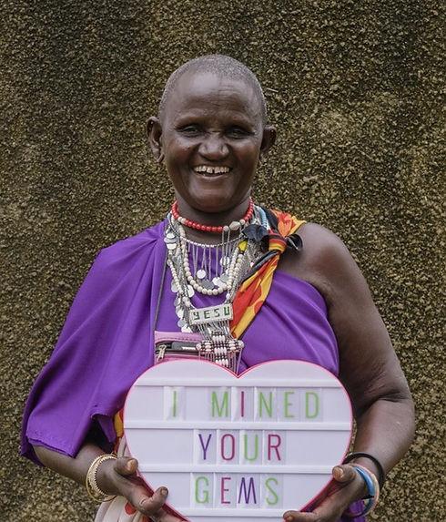 Female artisanal miners Tanzania.jpg