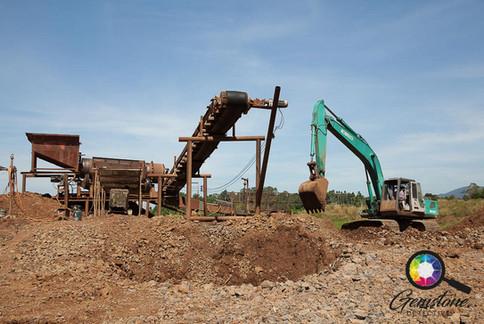 A sapphire mine Chanthaburi.jpg