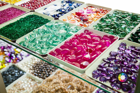 Synthetic gemstones sold in Bangkok.jpg