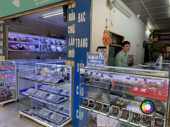 Gemstone Detective visiting the gem shop