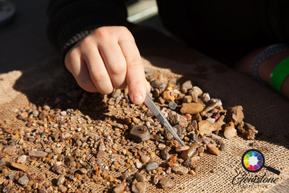 Fossicking for gemstones in Australia.jp