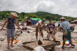 Gemstone Miners working in Mogok 2019.jp