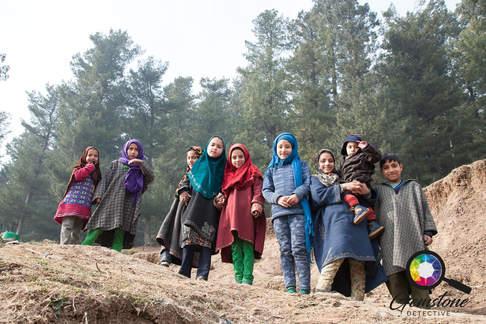 Young children in Kashmir.jpg