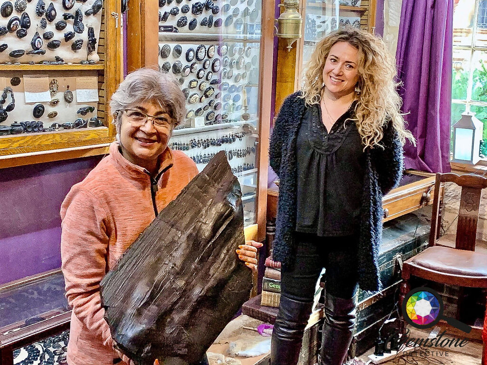 One of the largest Whitby Jet found | www.gemstonedetective.com