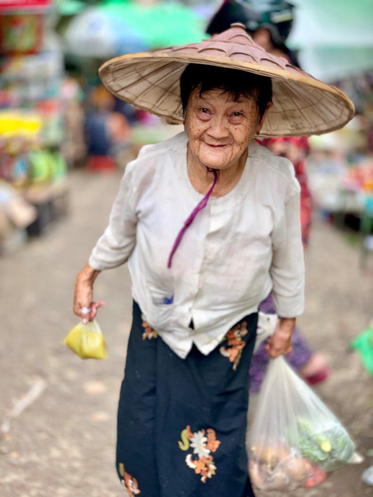 Mogok woman | www.gemstonedetective.com