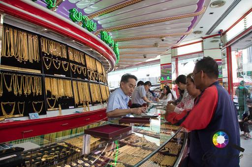 Shopping for Gold in Bangkok.jpg