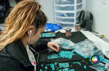 Sorting and grading turquoise in USA.jpg