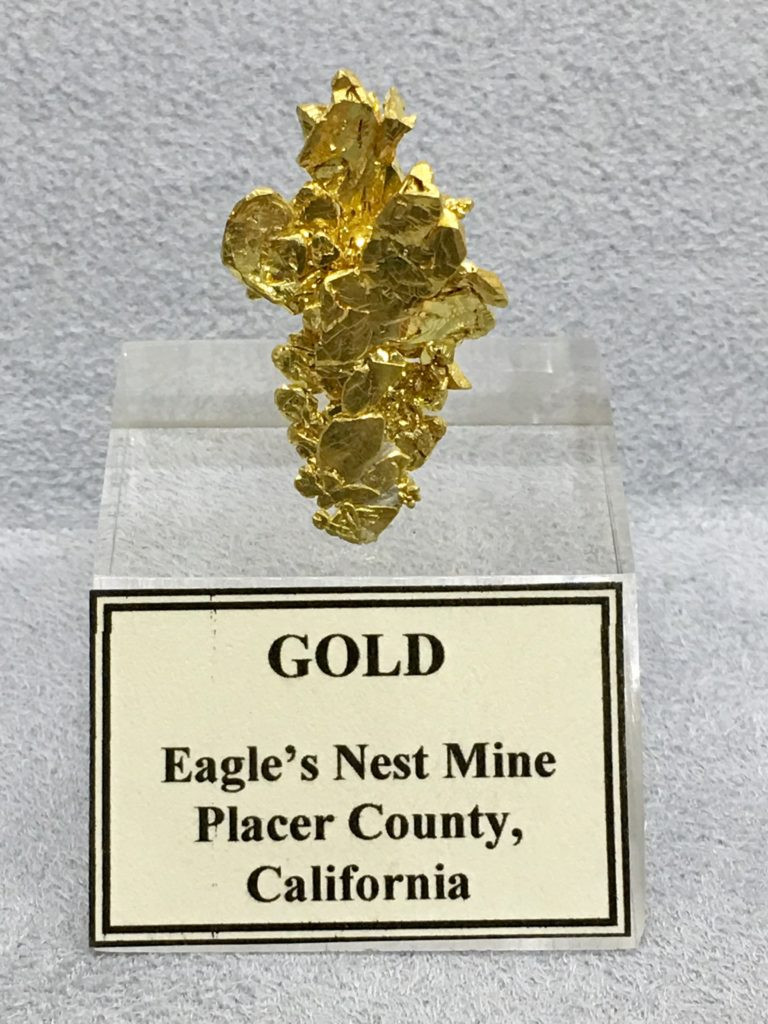 1st anniversary gift of gold