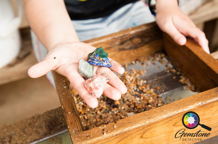 An activity for tourists - finding gemst