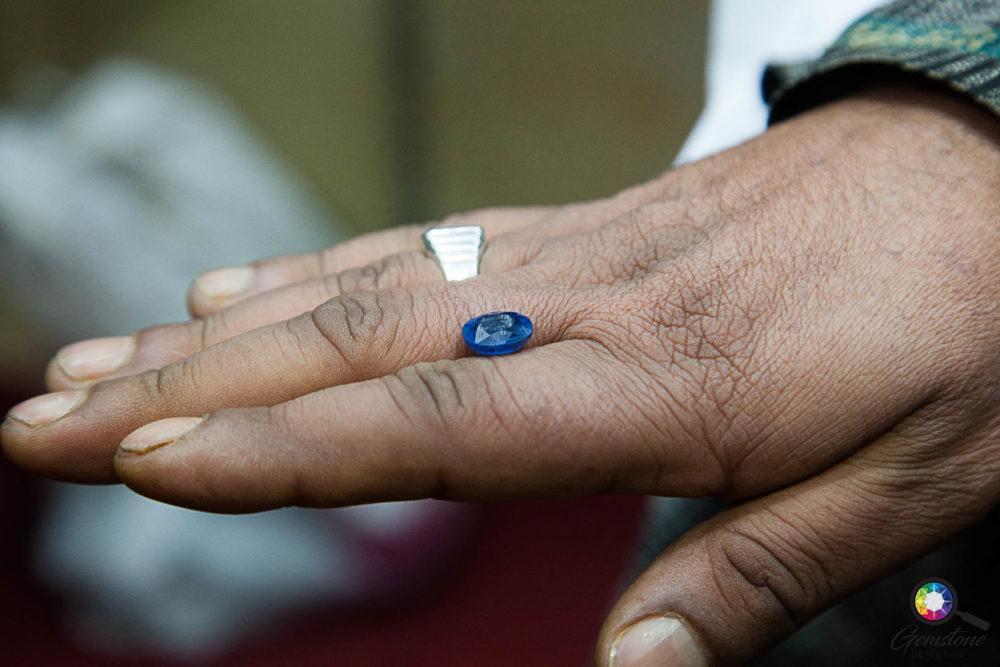 Kashmir Sapphire | www.gemstonedetective.com