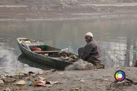 A fisherman in Kashmir.jpg