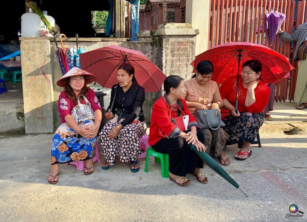 Mogok women | www.gemstonedetective.com