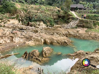 Gemstone mines in Vietnam.jpg