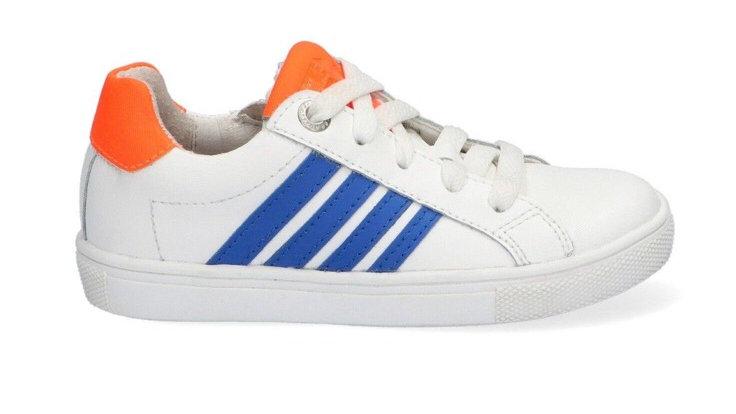Lage witte sneakers met hoogblauwe strepen en fluo-oranje, veters en rits