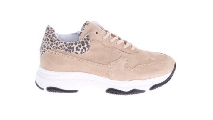 Beige sneaker dikkere zool met luipaardaccent / veters en rits