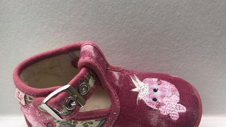 Halfopen roze pantoffel met gesp