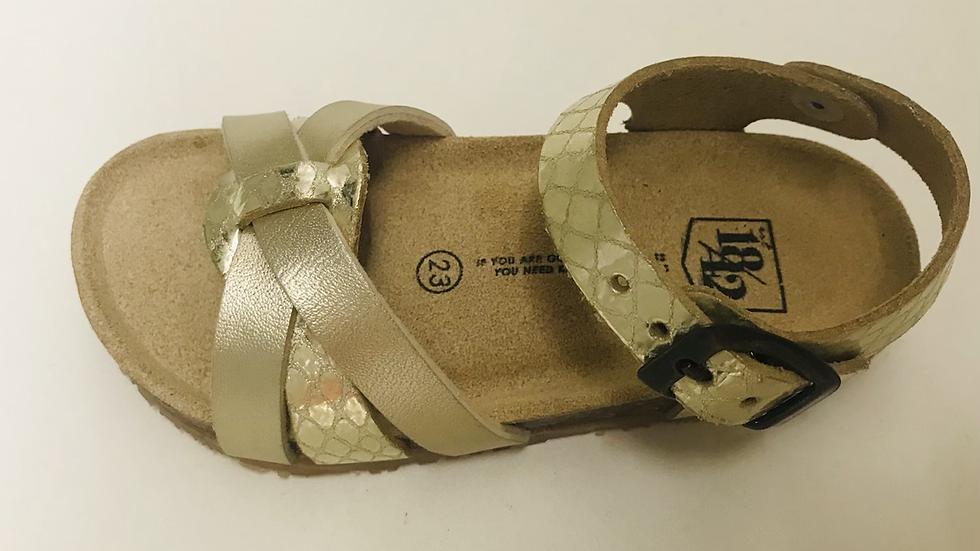 Brons-goudkleurige sandaal met gespje