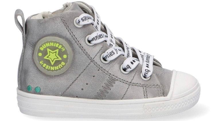 Hoge grijze sneaker met veters en rits en beschermtop