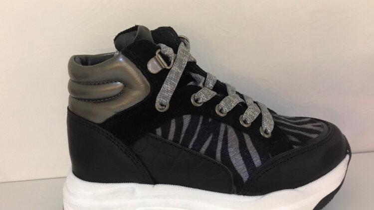Hoge sneaker zwart met zilver veters en rits