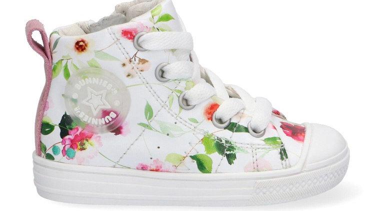 Hoog wit sneakertje met bloemendessin, veters en rits