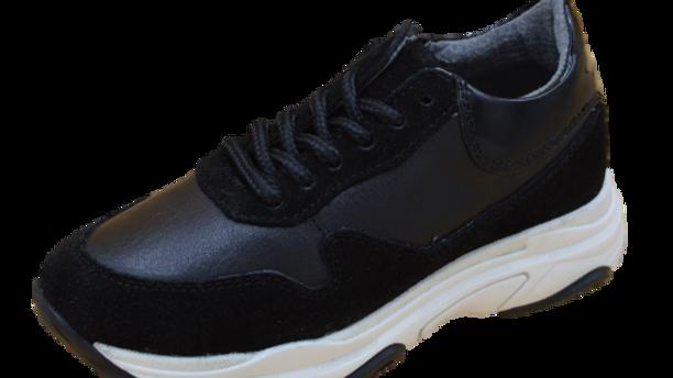 Zwarte sneakers veters en rits dikke zool