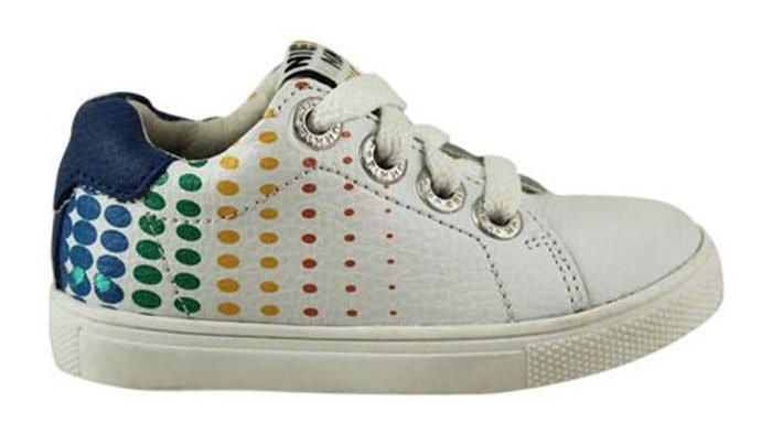Witte vetersneakers met gekleurde bolletjes