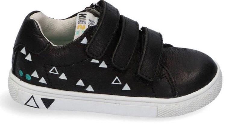 Zwarte lage velcroschoen met driehoekjes