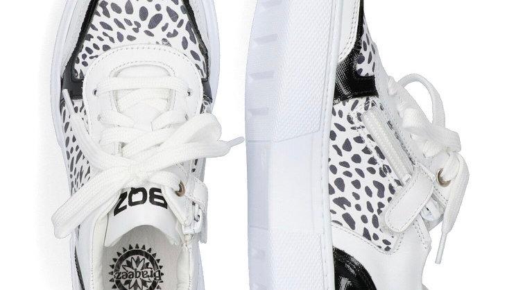 Wit-zwart luipaardmodel, veters en rits, dikkere zool
