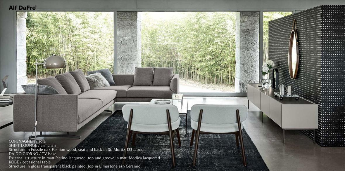 Living Room (10).jpg