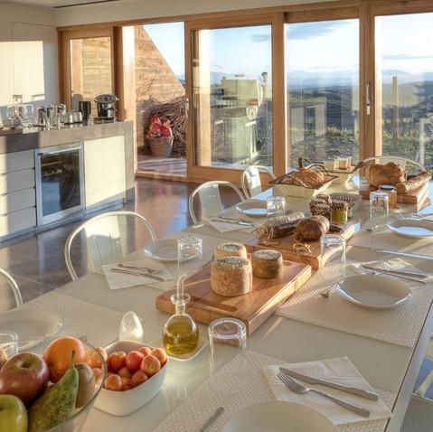 Desayuno en Trossos del Priorat.jpg