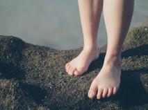 脚長差は足の土踏まず(アーチ)の左右差を生むのか?