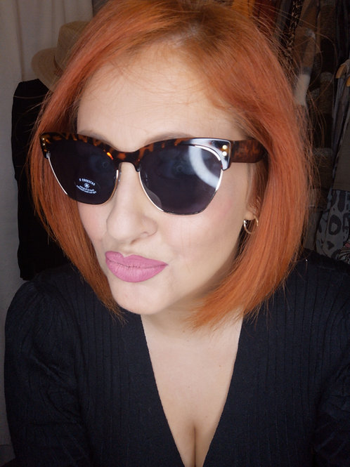 Vintage Glamour toirtoise shell sunglasses
